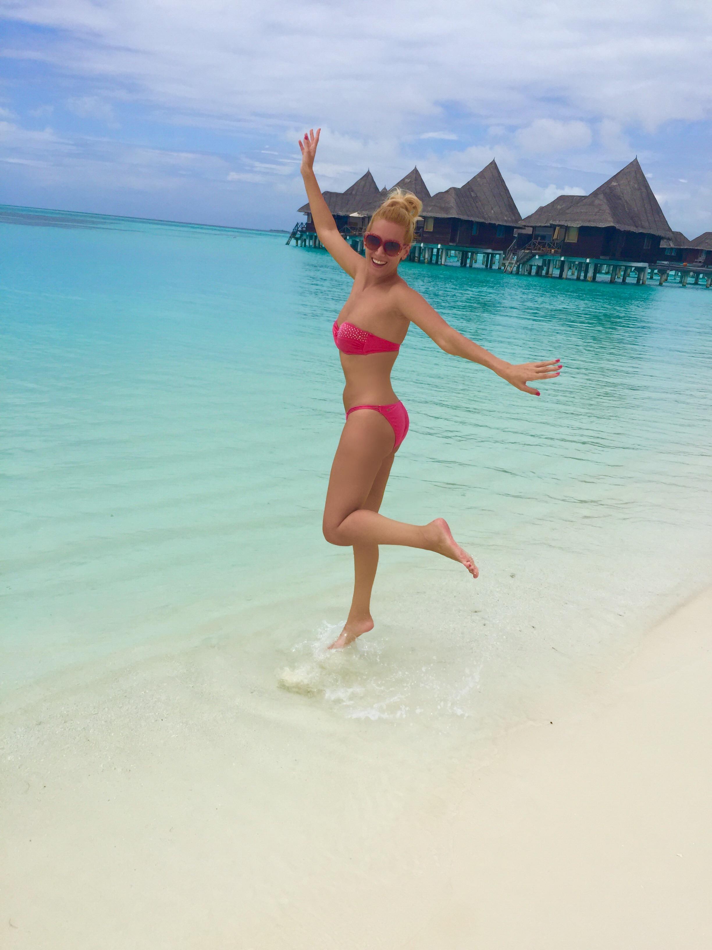 Gabriela Simion Sexy Si Vesela in Maldive