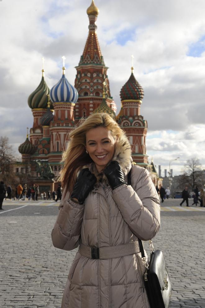 Zambete Romanesti in Piata Rosie Gabriela Simion Moscova