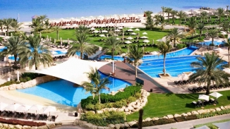 Westin_Beach_and_Pool_Area1