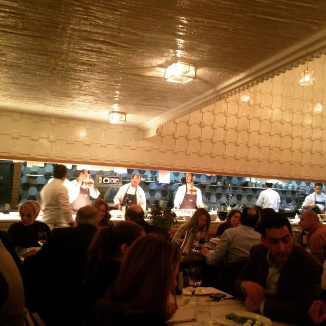 Gabriela Simion Vacanta in Atena la Restaurant
