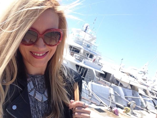 O Vara Fierbinte Gabriela Simion Vacanta in Atena