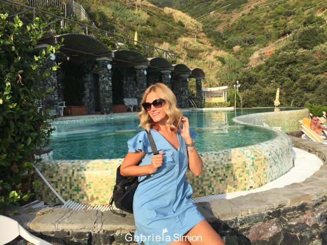 Travel Blogger Gabriela Simion in Cinque Terre