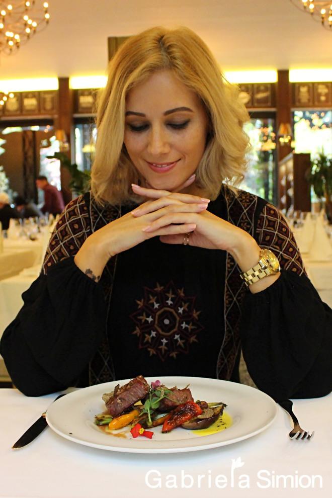 Carne de Strut si Gabriela Simion