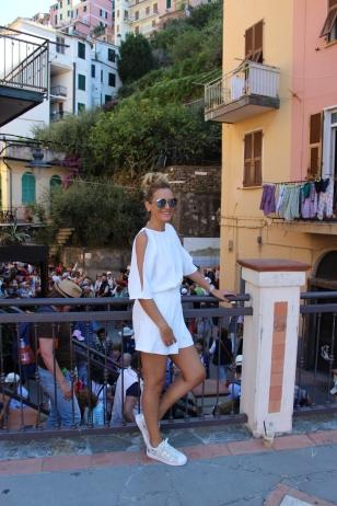 Gabriela Simion Cinque Terre Vacanta in Alb