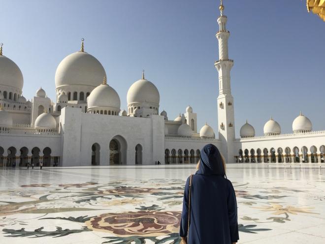 Poze Gabriela Simion Emiratele Arabe Unite Excursie la Moschee