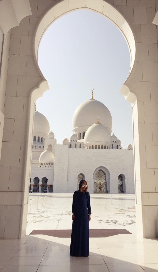 Gabriela Simion Abu Dhabi, Emiratele Arabe Unite