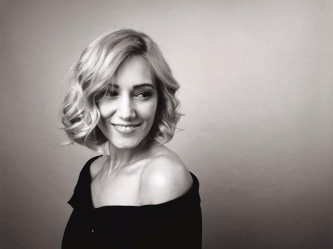 Gabriela Simion Sustine campania Portret de Femeie