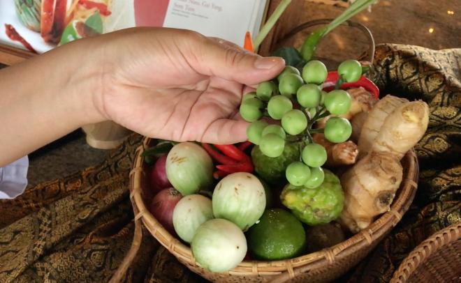 Gusturi si Arome - Lectia de Gatit Thai in Maldive - Gabriela Simion