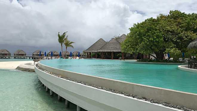 Povesti de Vacanta, Maldive, Gabriela Simion