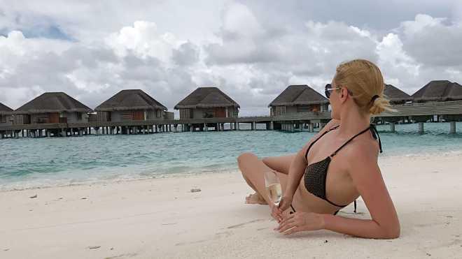 Pe Plaja, Vacanta Maldive, Gabriela Simion