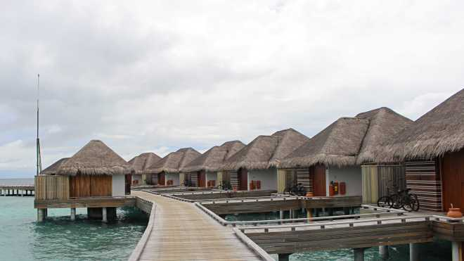 Vile in Vacanta Maldive, Gabriela Simion