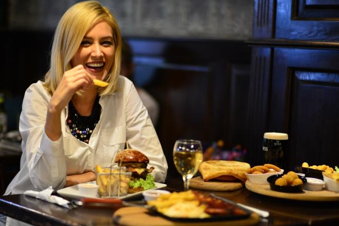 Mancare Gustoasa, Irish Pub, Gabriela Simion