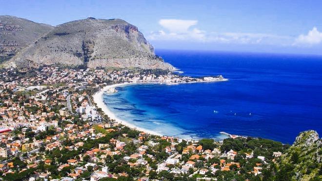 Mondello, Palermo, Plaje in Sicilia, Gabriela Simion