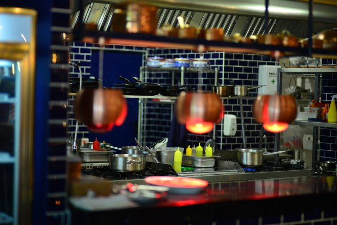 Bucatarie Dancing Lobster, Restaurant Portughez, Gabriela Simion