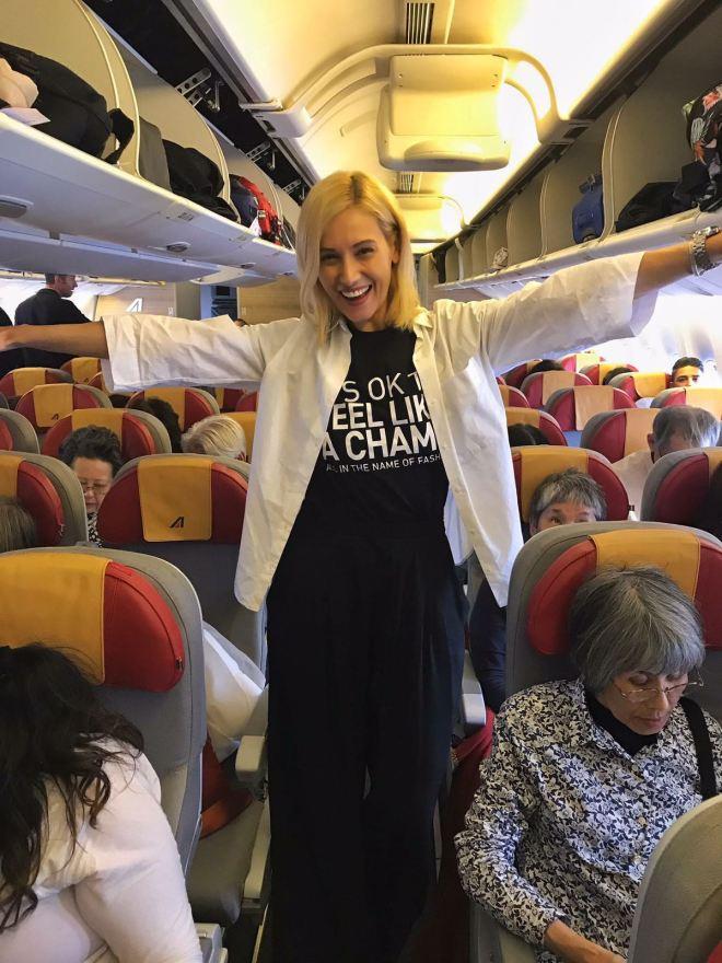 Bucuria Zborul Cu Avionul, Gabriela Simion