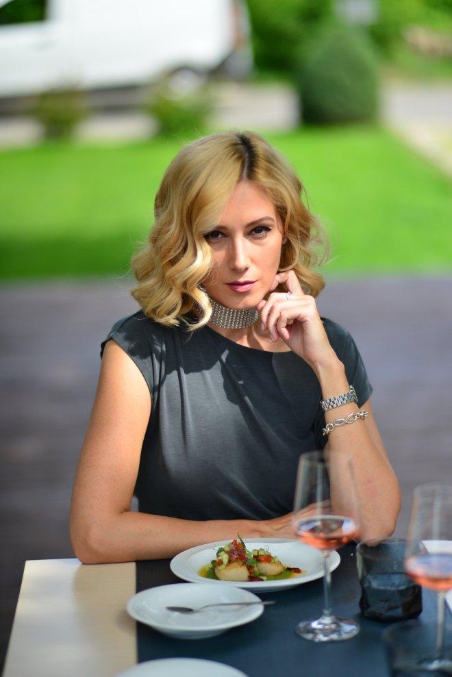 Terasa Dancing Lobster, Restaurant Portughez, Gabriela Simion