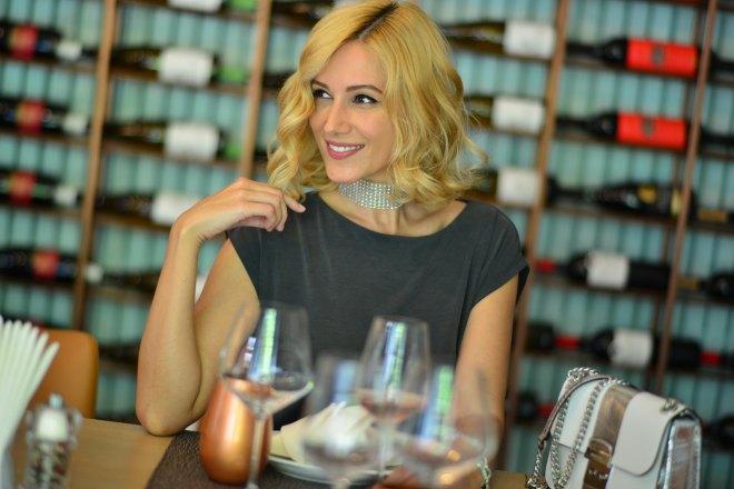 Vinuri Dancing Lobster, Restaurant Portughez, Gabriela Simion