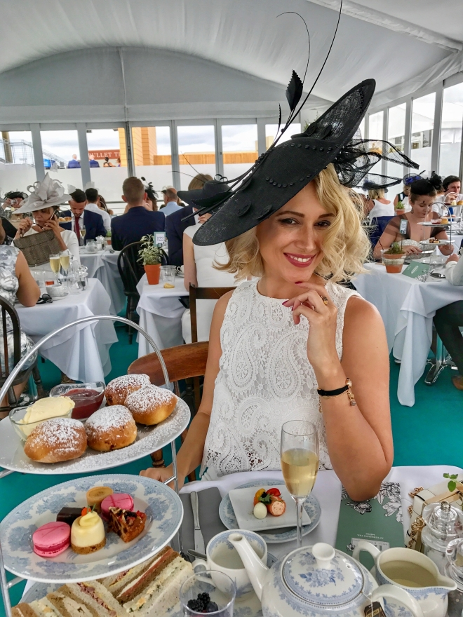 Londra_royal_ascot_Gabriela_Simion_Queen05