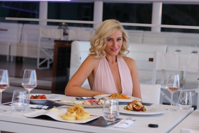 Recenzie Yacht Bucharest, Gabriela Simion