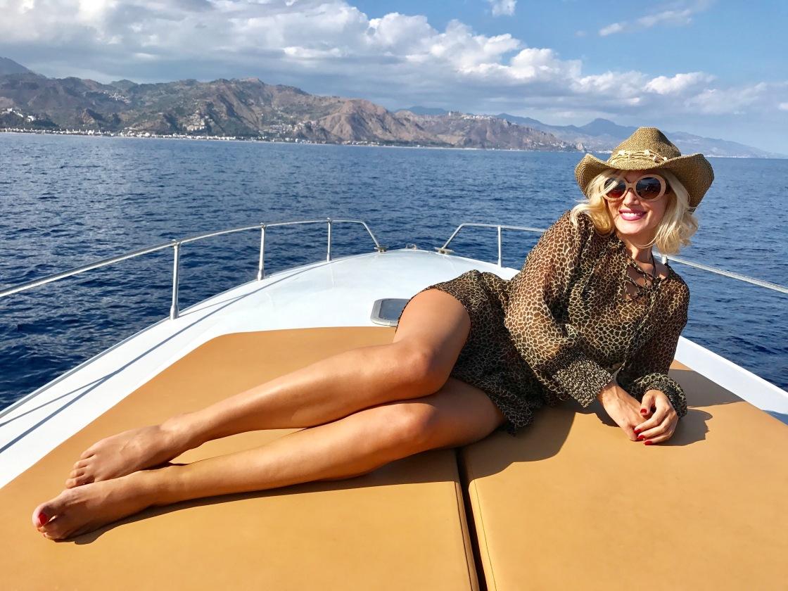 Sexy , Gabriela Simion, Taormina Sicilia, Italia