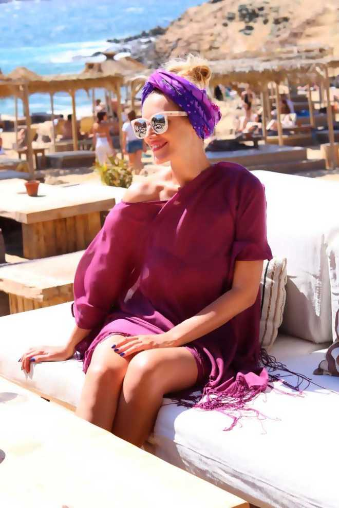 Poze Gabriela Simion, Plaje Mykonos