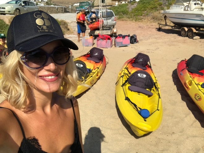 Mykonos Kayak Tours, Gabriela Simion in Barca